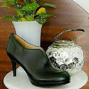 Nine West Black Heel Booties Size 8